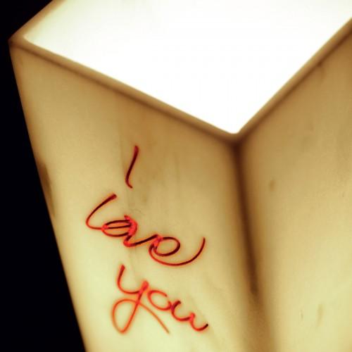 I LOVE YOU lampada da tavolo